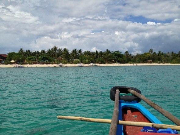 approaching Maniwaya