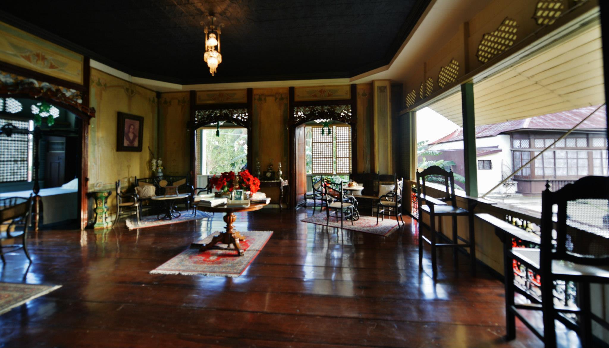 casa villavicencio in taal batangas lakwatsa