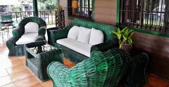nikki-veranda